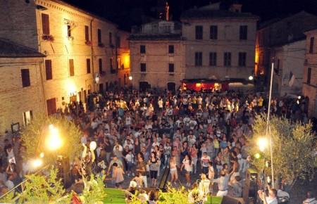 colmurano,festival,internazionale,artisti,strada,11,12,13,14,luglio,pizzagra,